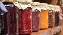 jam-preparations-jars-fruit-48817.jpg